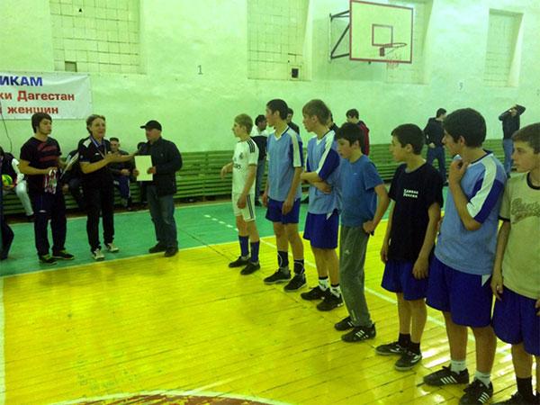 С 8 по 9 марта в спортивном комплексе мкудо ботлихская рдюсш прошло первенство района по волейболу среди юношей